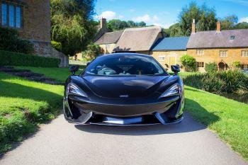McLaren 570GT 570GT  image 15 thumbnail
